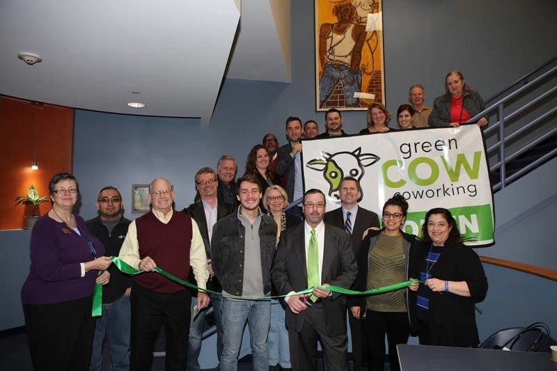 greenCOW Coworking: 5209 Hohman Ave, Hammond, IN