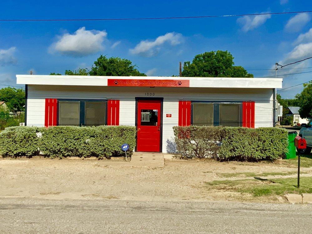 Peek A Boo Pet Grooming: 1000 S Concho St, Coleman, TX