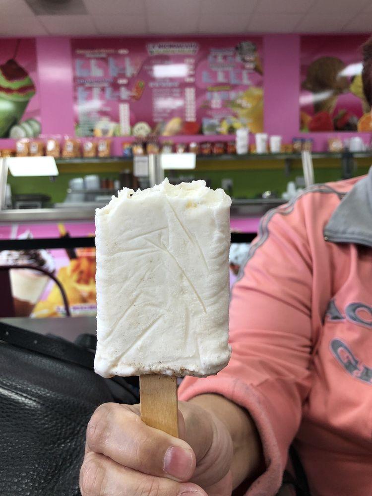 La Michoacana Ice Cream Parlor: 33401 CA-74, Homeland, CA