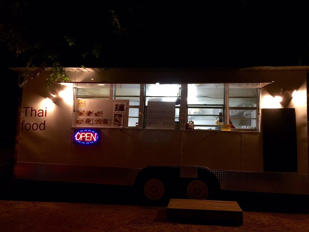 Restaurants With Food Trucks Near Me