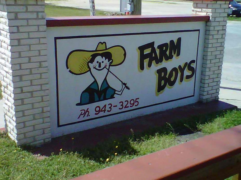 Farm Boys: 216 Pamlico St, Belhaven, NC