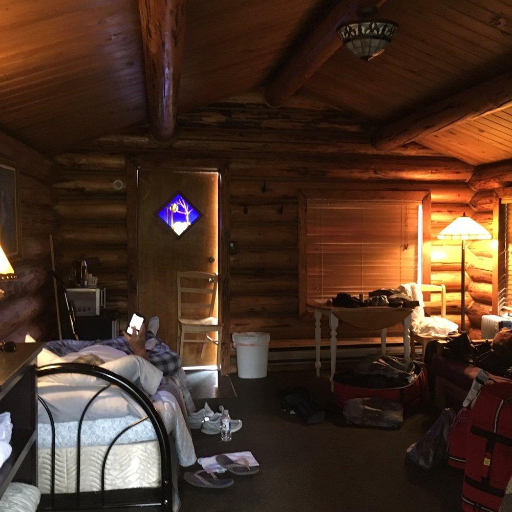 Bowman's Bear Creek Lodge & Cafe: Milepost 159 Hope H, Hope, AK