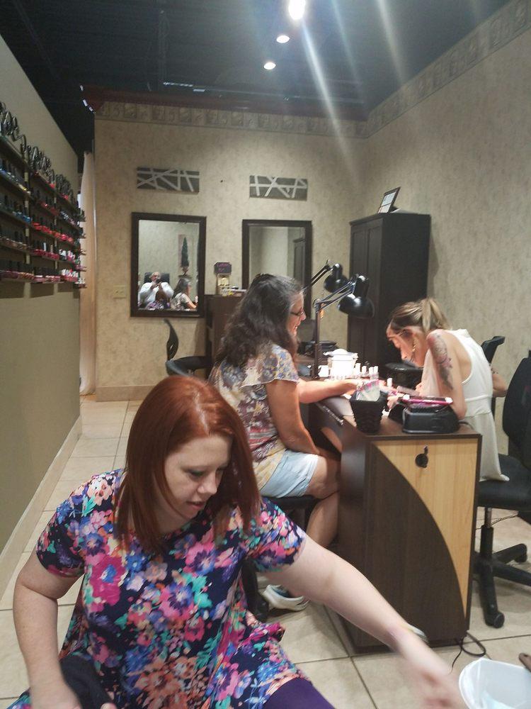 Serenity Salon & Spa: 106 Shane Dr, Glasgow, KY