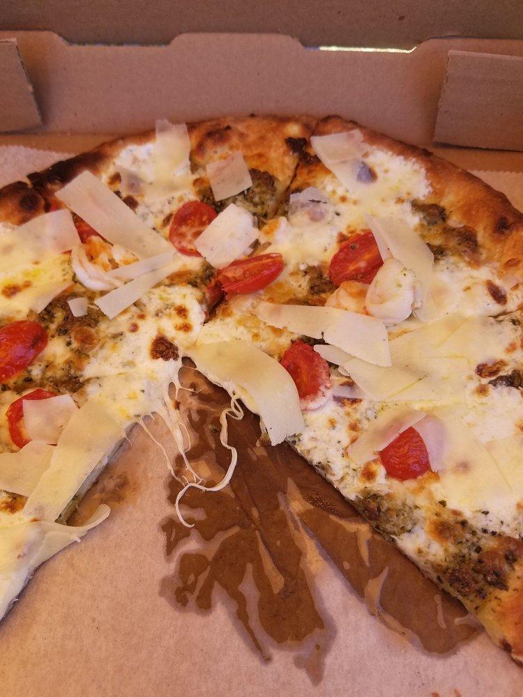 Cosa Pizza: 6175 Maddox Blvd, Chincoteague, VA