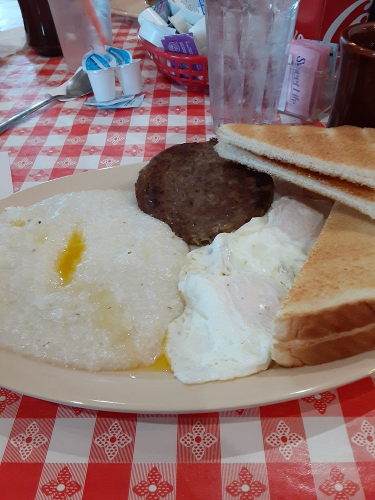 Farm Cafe & General Store: 2154 Hwy 59, Westminster, SC