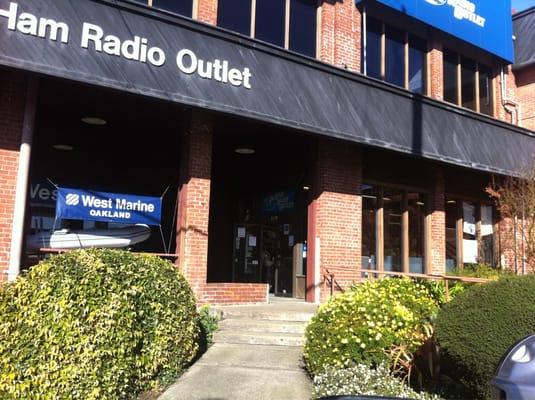 Ham Radio Outlet 2210 Livingston St Oakland, CA Stereos
