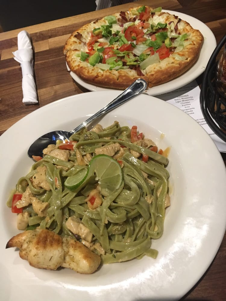 Oggi's Sports | Brewhouse | Pizza: 2854 Lenwood Rd, Barstow, CA