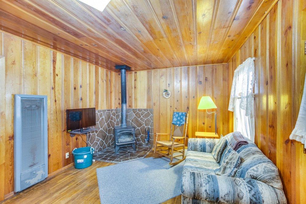 Cabins At Cloudcroft: 1008 Coyote Ave, Cloudcroft, NM