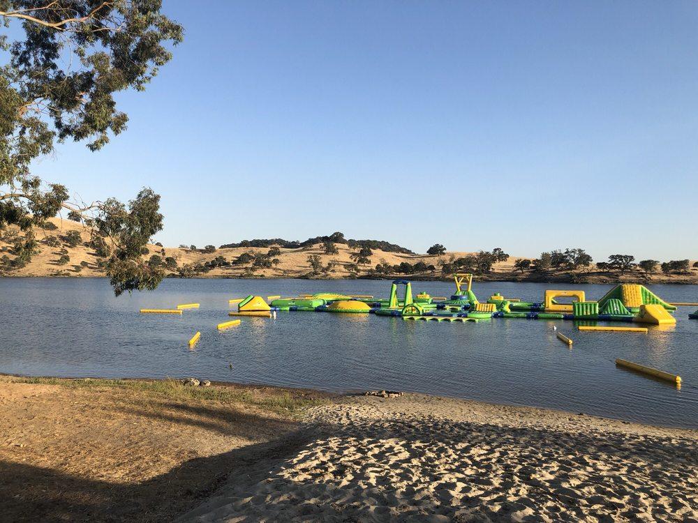 Splash-n-Dash Aqua Park: 9090 Lake McClure Rd, Snelling, CA