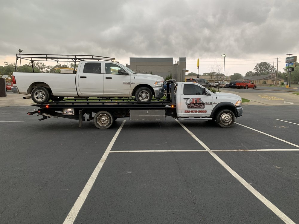 J.T. Recovery & Towing: 274 S Broadview St, Greenbrier, AR