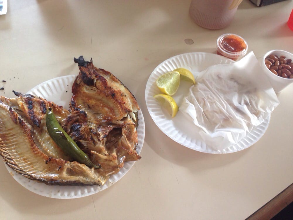 Grilled fish order with handmade tortillas pinto beans for Fish grill pico