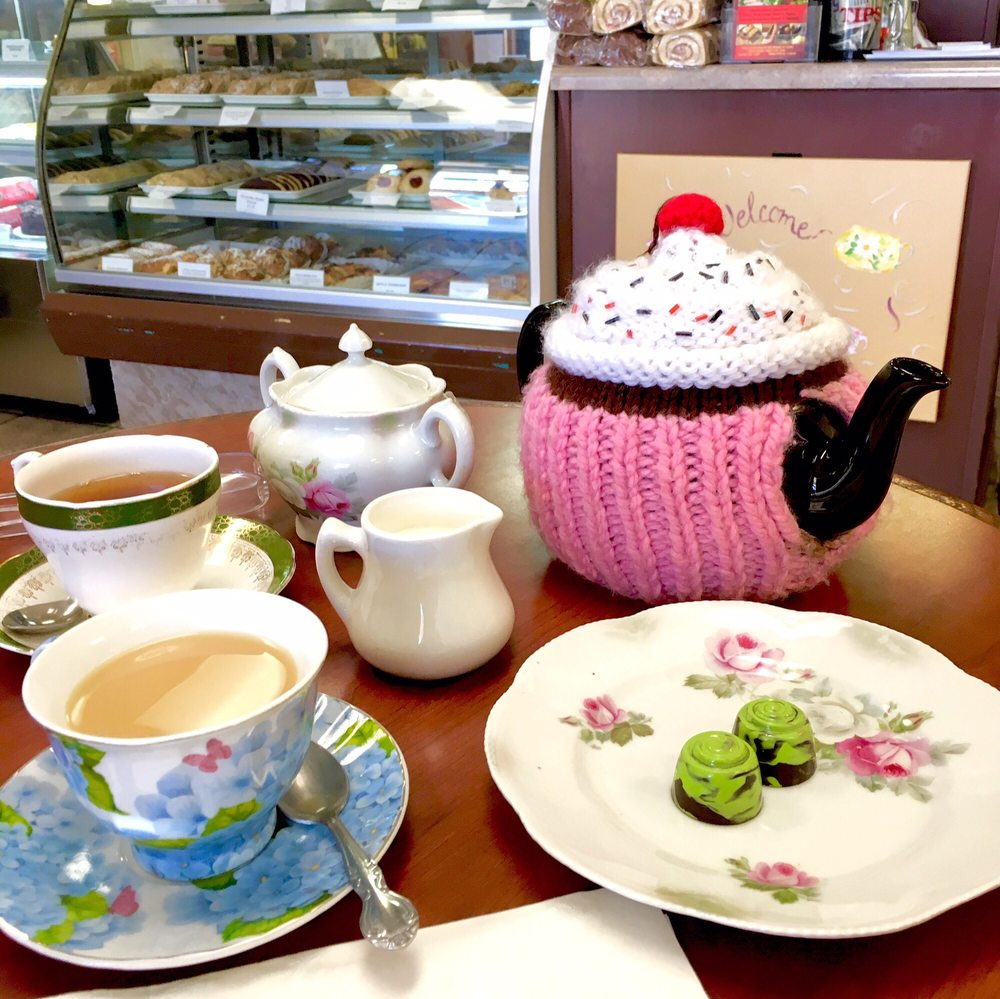 Rayners UK Cafe