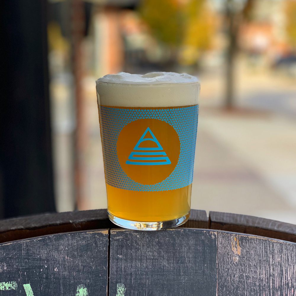 Summit Beer Station: 321 9th St, Huntington, WV