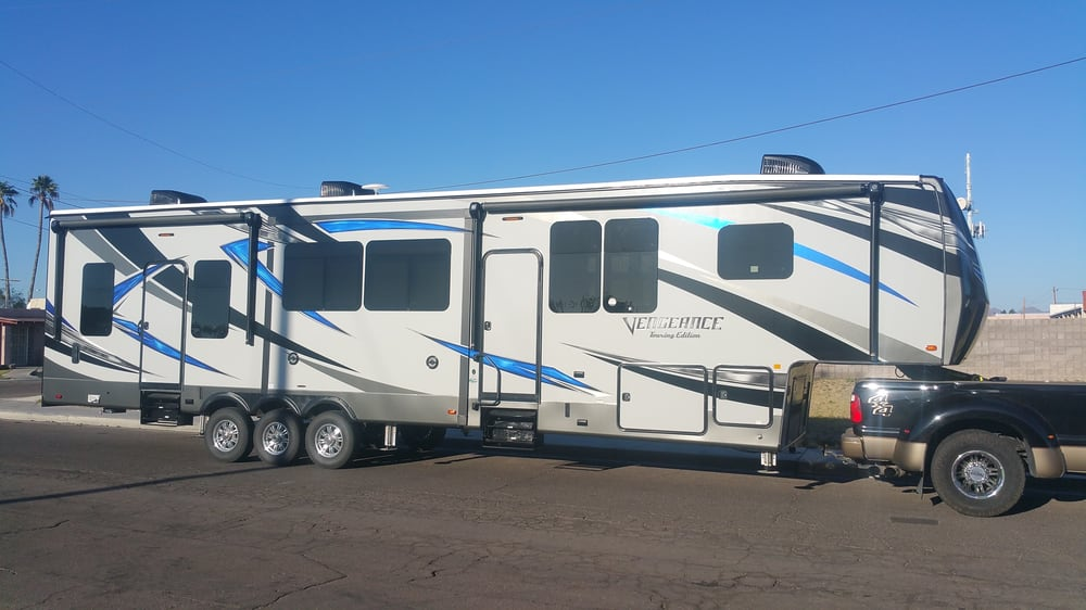 Cactus rv center rv dealers 2530 e bell rd phoenix for Az game and fish phone number