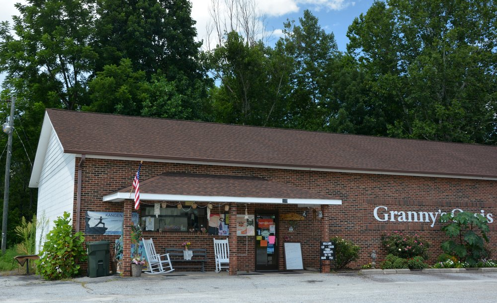 Granny's Oasis: 109 Whispering Pines Dr, Hudson, NC