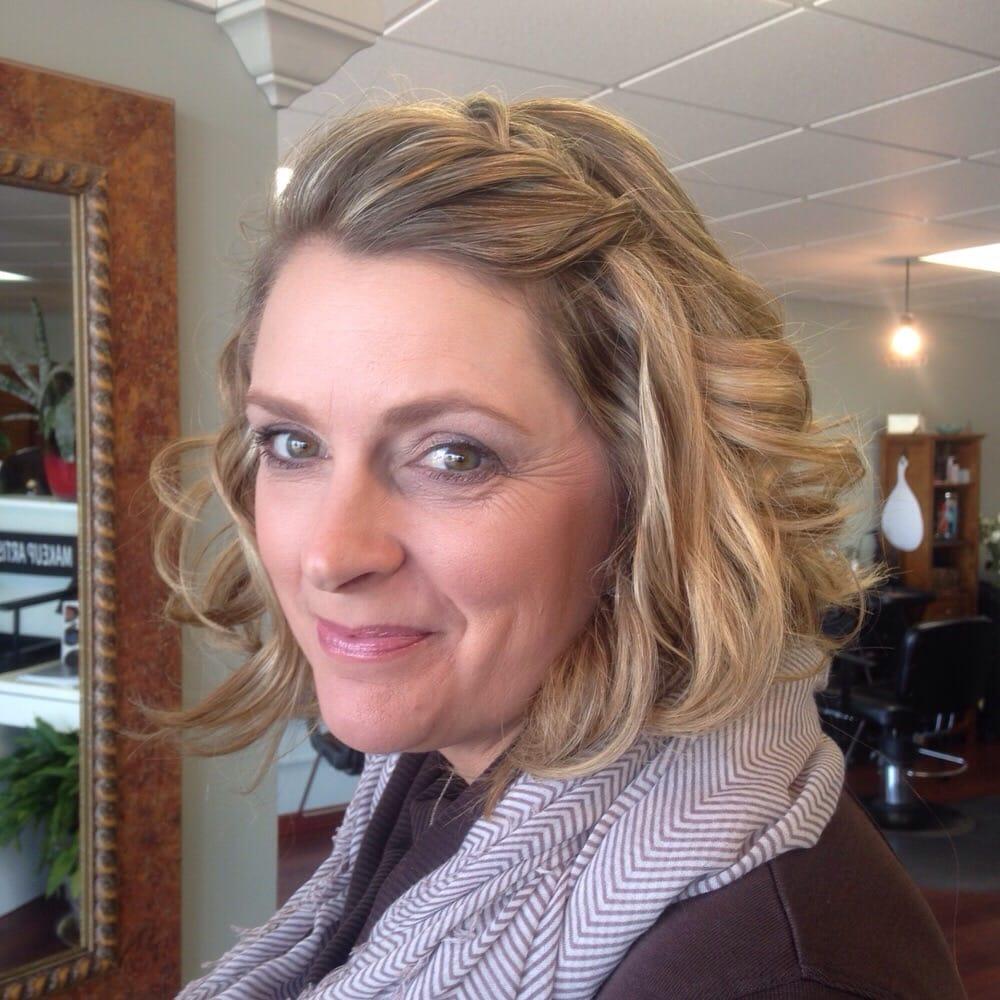 Salon de vai coiffeurs salons de coiffure 14 for Samantha oups au salon de coiffure