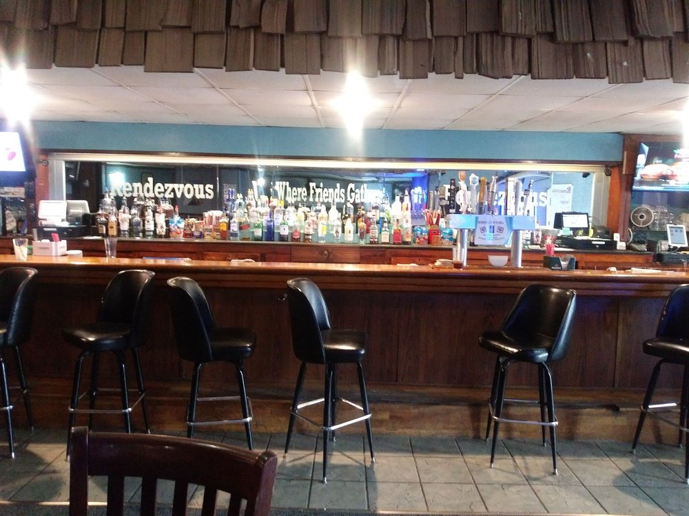 Rendezvous Bar & Grill: 35 Oak Ave S, Annandale, MN