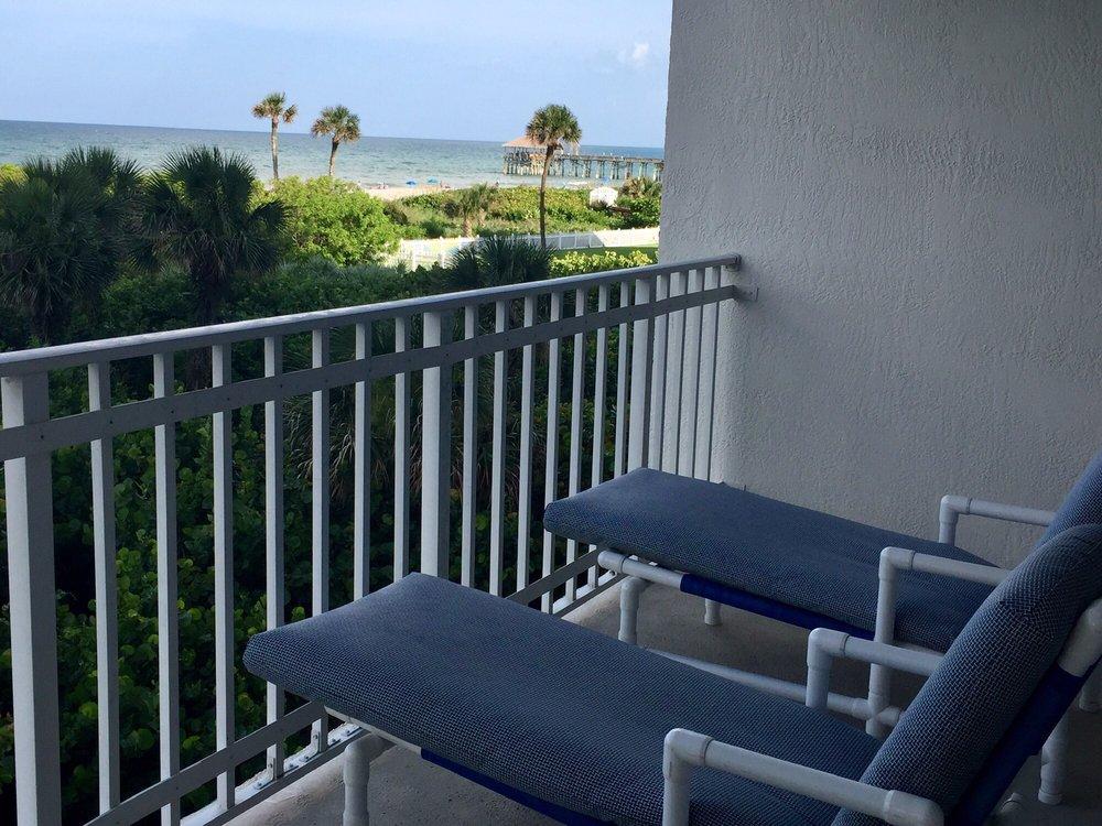 Discovery Beach Resort - Slideshow Image 1