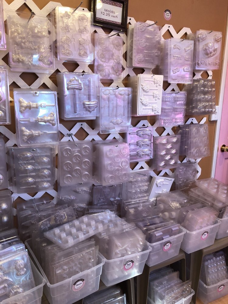 Pink House Chocolates: 3760 1st Ave, Finleyville, PA