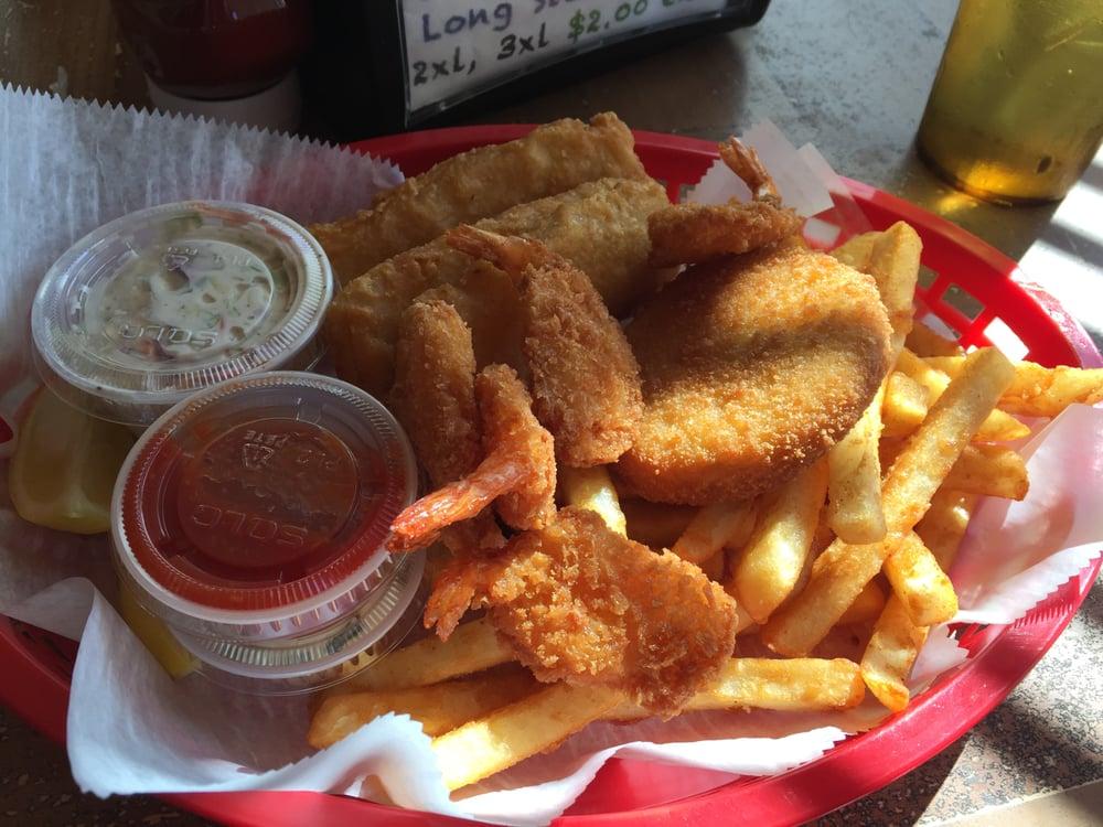 Lunker's Sports Grill: 4825 US Hwy 441 S, Okeechobee, FL