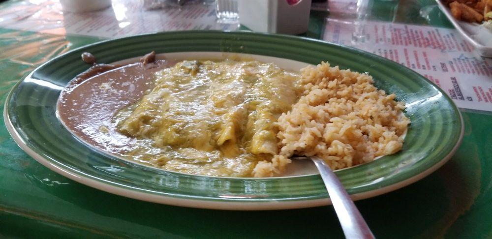 Lonches La Abuela: 1408 Zaragoza St, Laredo, TX
