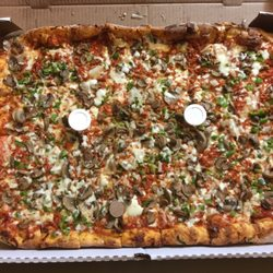 Sarducci\'s Pizza West - Pizza - 435 Tecumseh Road W, Windsor, ON ...