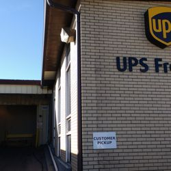 Ups Freight 10 Reviews Shipping Centers 5300 E 56th Ave