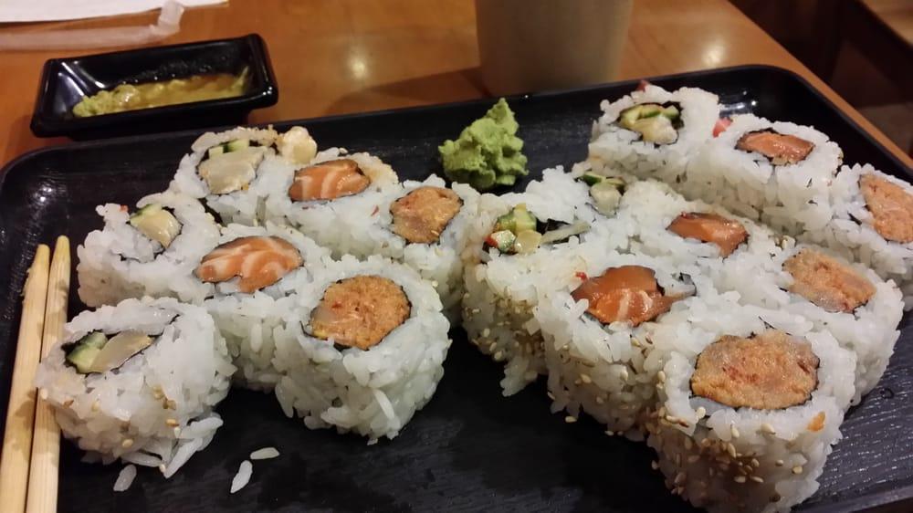 Akira sushi 26 photos 68 reviews sushi 1069 denman for Akira japanese cuisine