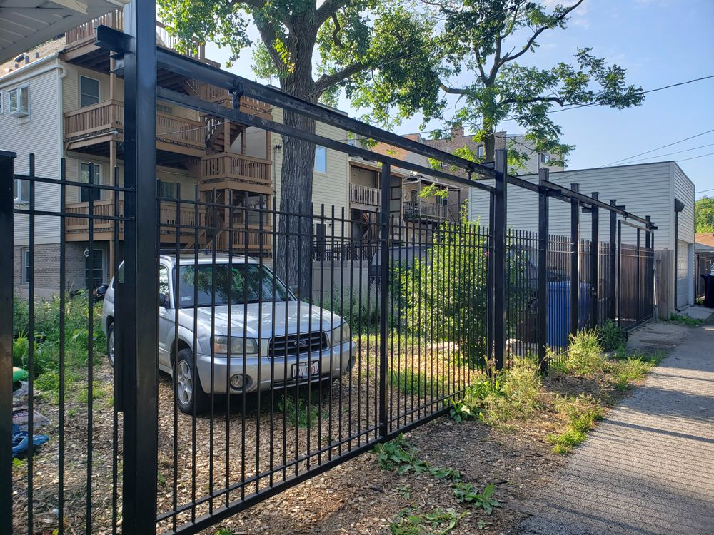 Cover Fence: 9841 Rutherford Ave, Chicago Ridge, IL