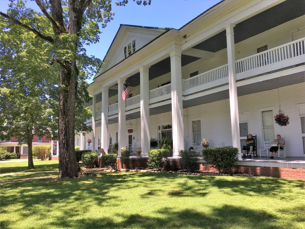 Donoho Hotel: 500 E Main St, Red Boiling Springs, TN