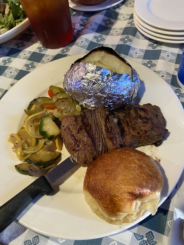 JP's at Pickwick: 11805 Hwy 57 S, Counce, TN