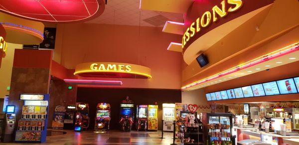 Regal Cinemas Colonie Center 13 Rpx 131 Colonie Ctr Albany Ny