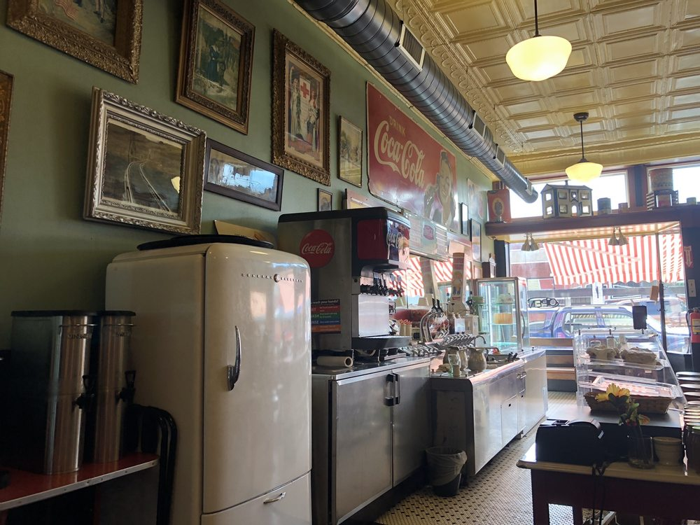 The Soda Fountain: 105 E Main St, Steelville, MO