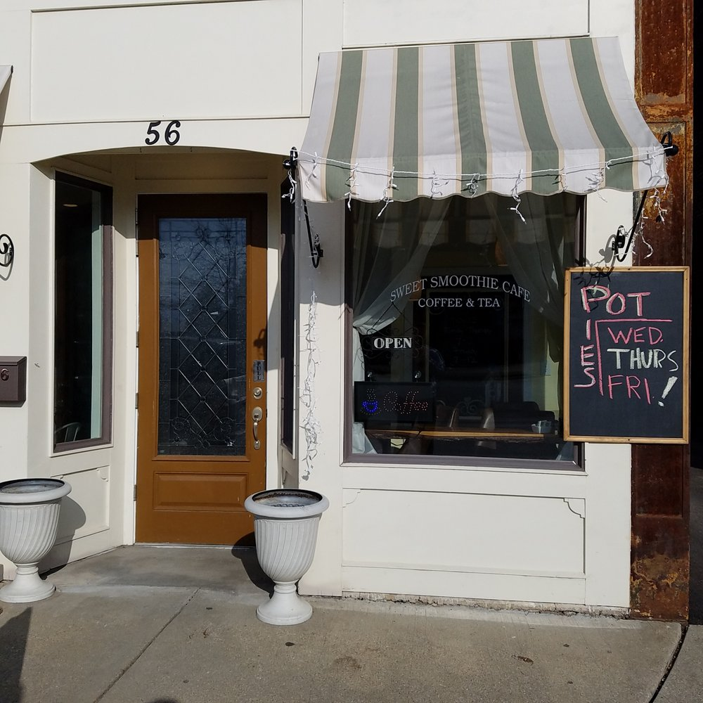 Sweet Smoothie Cafe: 56 E Morgan St, Martinsville, IN