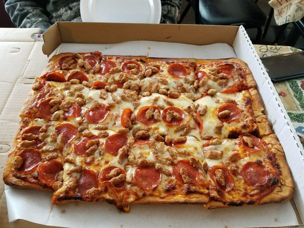 Wilson's Pizza Shop: 2730 Main St, Newfane, NY