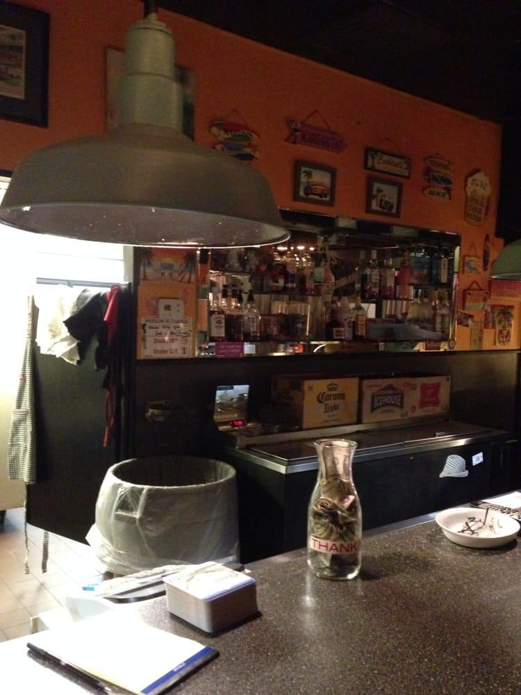 W T's Restaurant & Lounge: 820 9th St N, Bessemer, AL