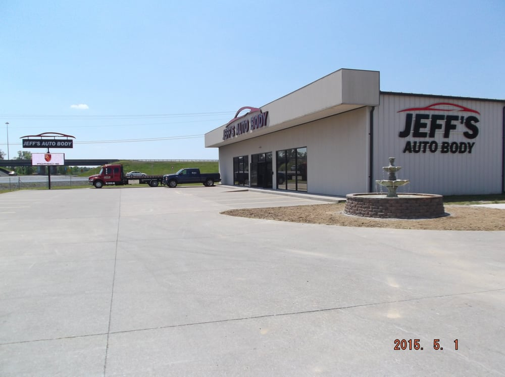 Jeff's Auto Body & Collision Center: 2985 Husband Rd, Paducah, KY