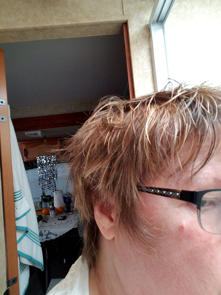 Vicki G Hair Salon & Day Spa: 180 11th St SE, Bandon, OR