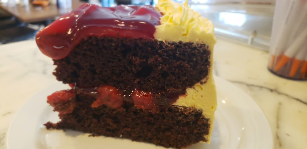 Suzie's Mid-Town Cafe: 22221 Main St, Reeds Spring, MO