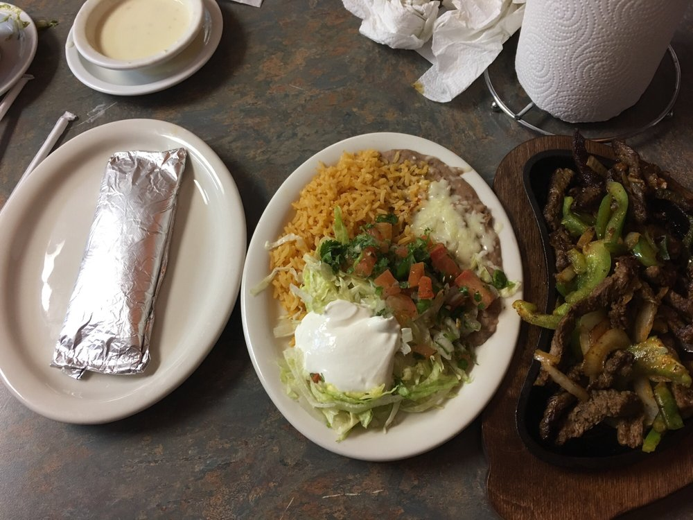 El Campesino Mexican: 21205 Mississippi 613, Moss Point, MS