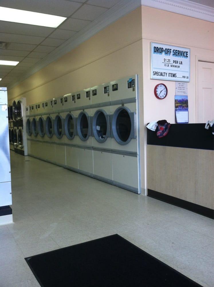 Lizzie's Laundromat: 242 Chauncy St, Mansfield, MA