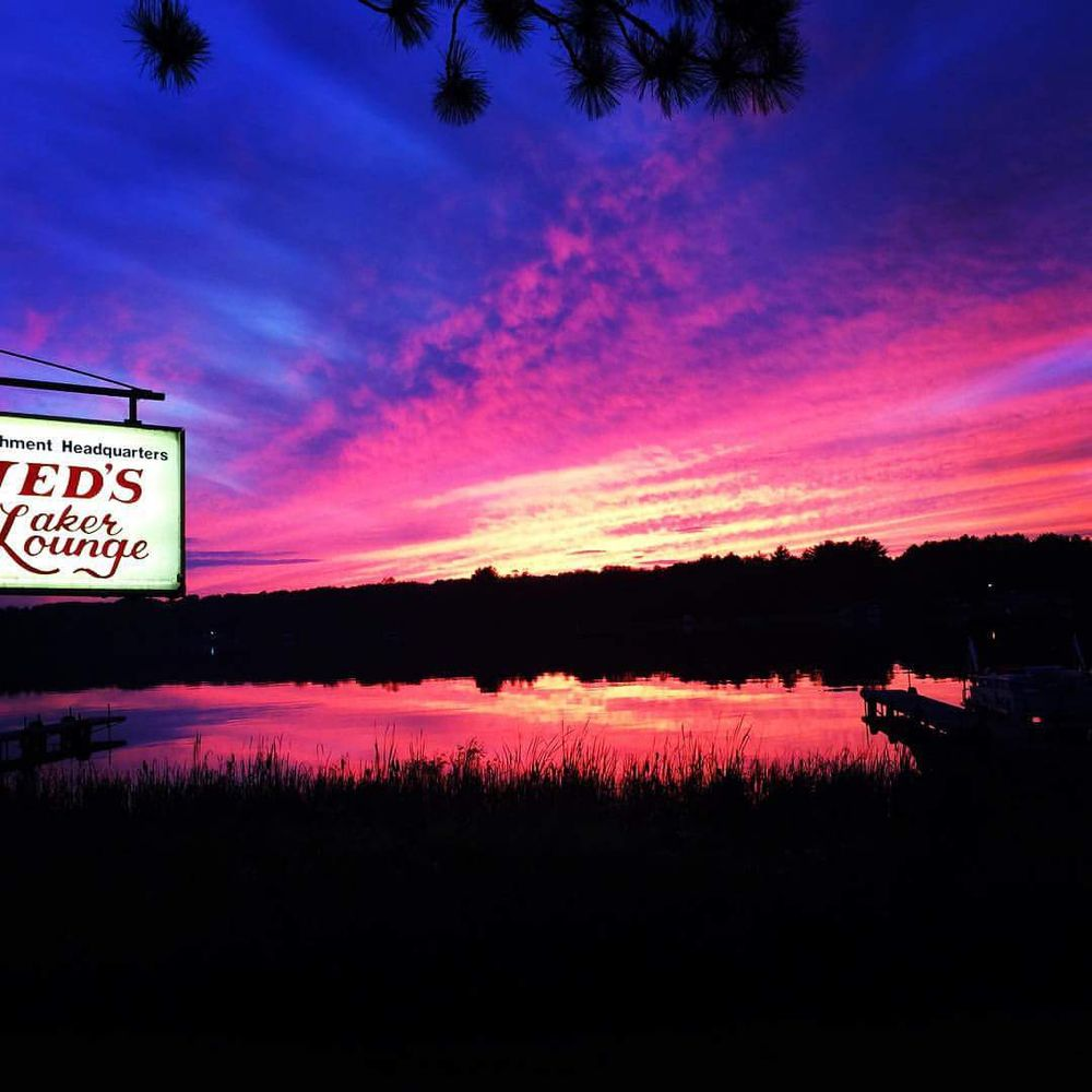 Jed's Laker Lounge: 24787 Clam Lake Dr, Siren, WI