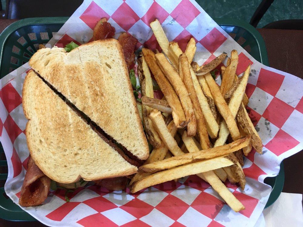 Rodeo Grill: 714 E Sumner Ave, Fort Sumner, NM