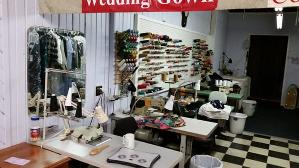 Hendersonville Alterations And Shoe Repair
