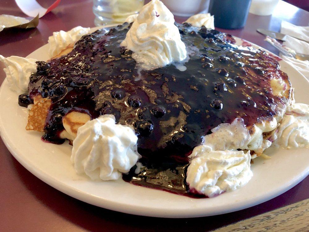 Fort Rockvale Restaurant & Lounge: 101 Rockvale Rd, Joliet, MT