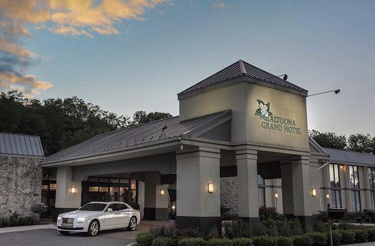 Altoona Grand Hotel: 1 Sheraton Dr, Altoona, PA