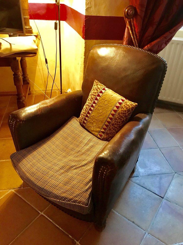 Photo Of Château Du0027Etoges   Etoges, Marne, France. Tired Old Uncomfortable