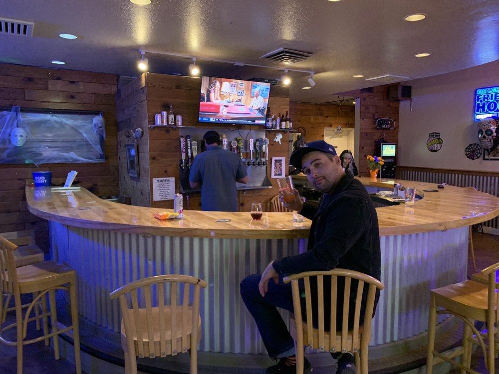 Colony Tavern: 8451 El Camino Real, Atascadero, CA