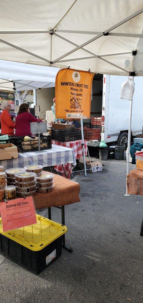 Menlo Park Farmers Market: Between Santa Cruz Ave & Menlo Ave, Menlo Park, CA