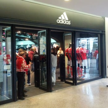 2e867bd7cd1 Loja da Adidas - Sports Wear - Av. General Norton de Matos